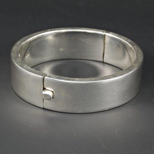 Plain Circular Bracelet
