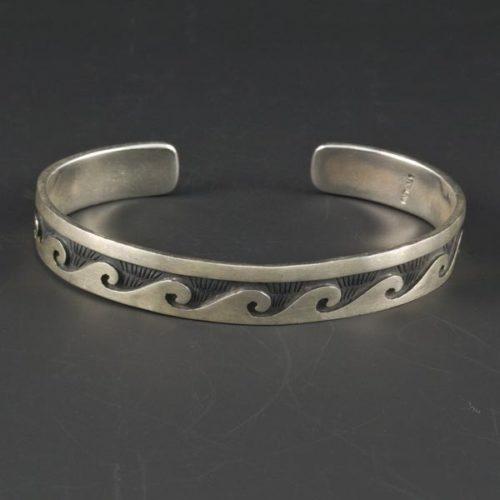 Waves Plain Bracelet