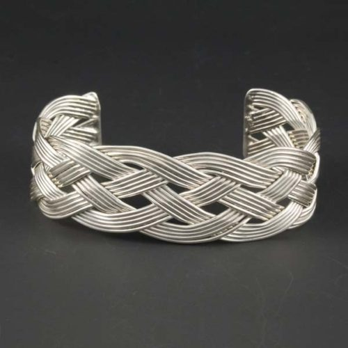 Fivefold Interlaced Wires - Short