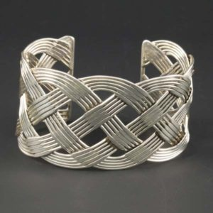 Fivefold Interlaced Wires - Large