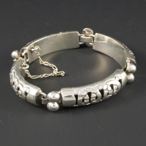Chain Locking Plain Bracelet