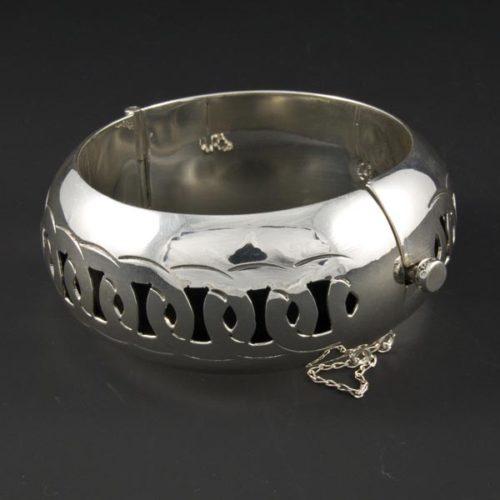 Shiny Round Bracelet