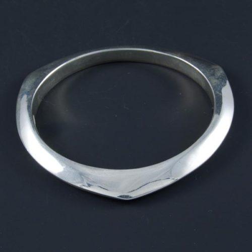 3 Edges Flat Bracelet