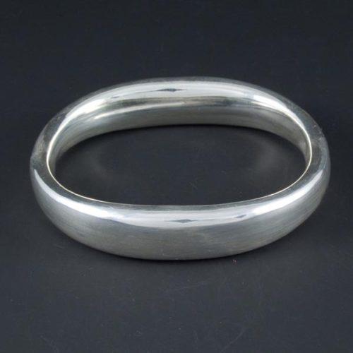 Plain Oval Bracelet