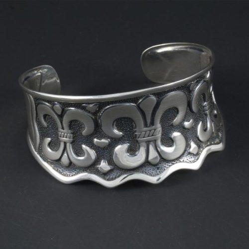 Plain Elegant Bracelet
