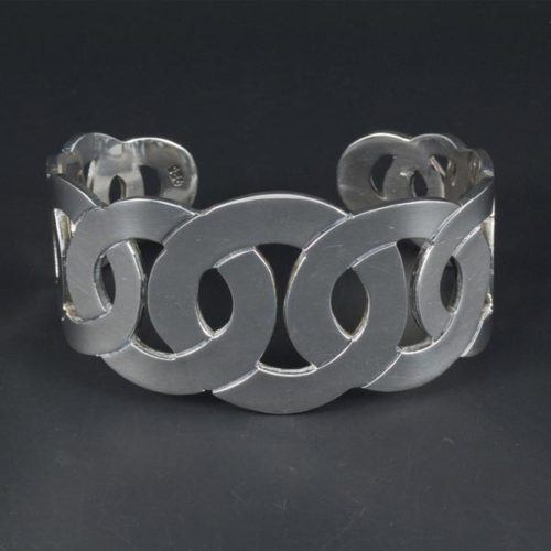 Linked Circles Plain Bracelet