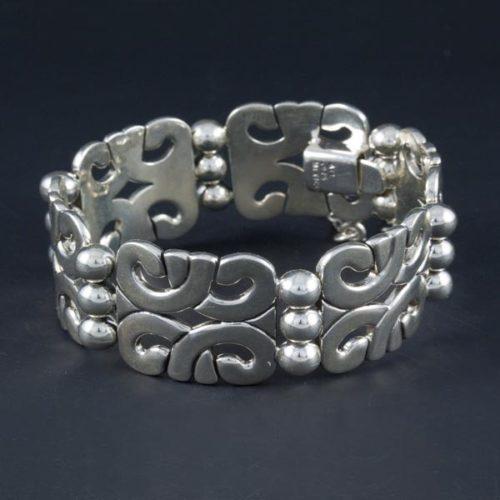 Plain Bracelet with Silver Marbles