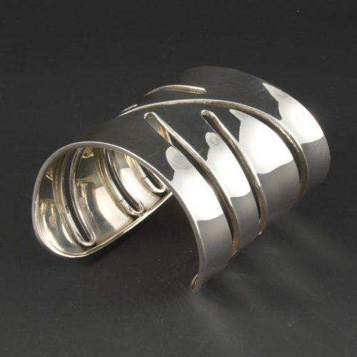 Plain Shiny Bracelet