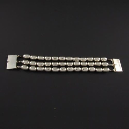 Plain Bracelet with 3 Lines of Ovals