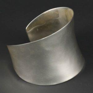 Elegant Sleek Bracelet