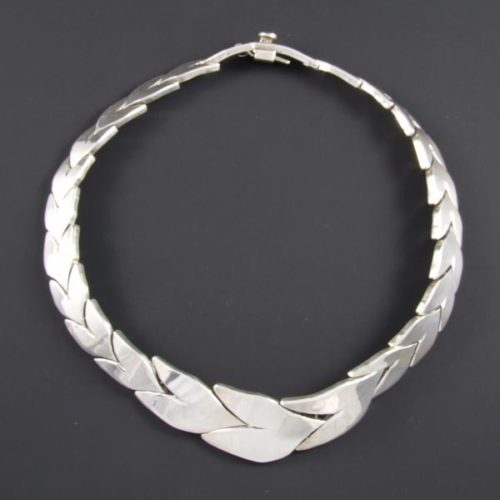 Linked Leaves Necklace