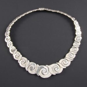 Linked Spirals Plain Necklace