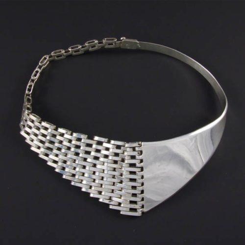 Elegant Plain Necklace
