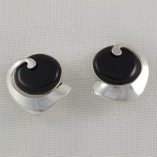 Elegant Onix Earrings