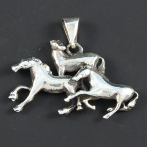 3 Horses Pendant