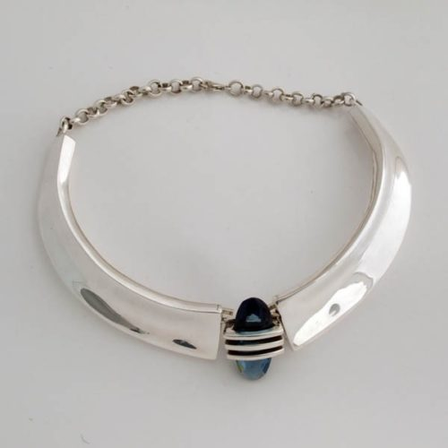 Plain Necklace With Blue Stone