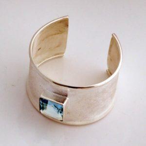 Blue Stone Plain Bracelet
