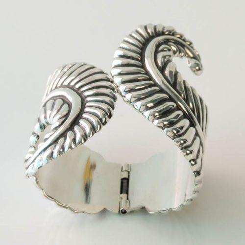 Elegant Leaf Bracelet