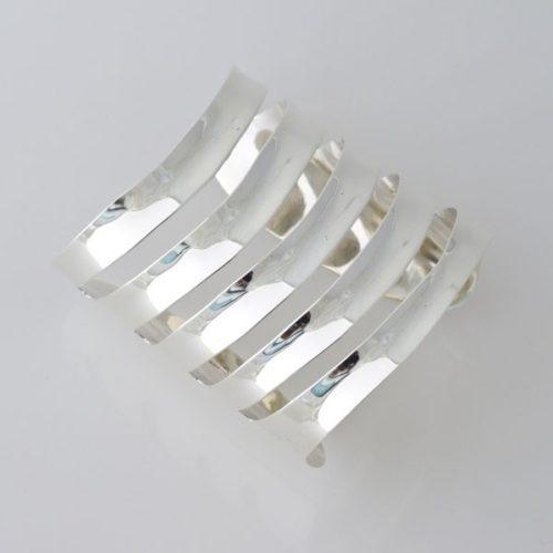 Plain Cut Out Bracelet