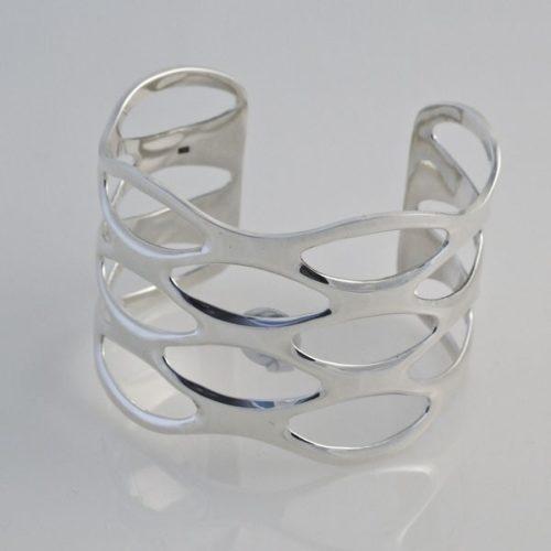 Cut Out Plain Bracelet