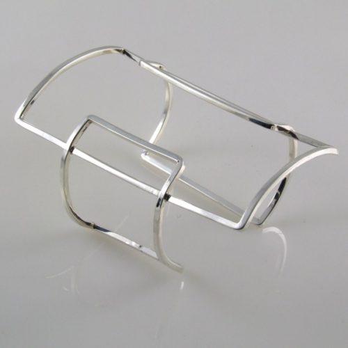 Plain Linear Bracelet